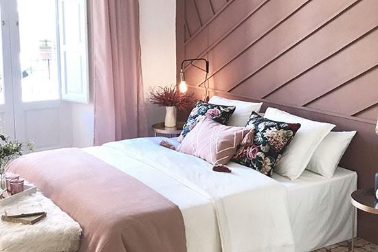 Ni2 studio de interiores with Cubiqz cardboard bed