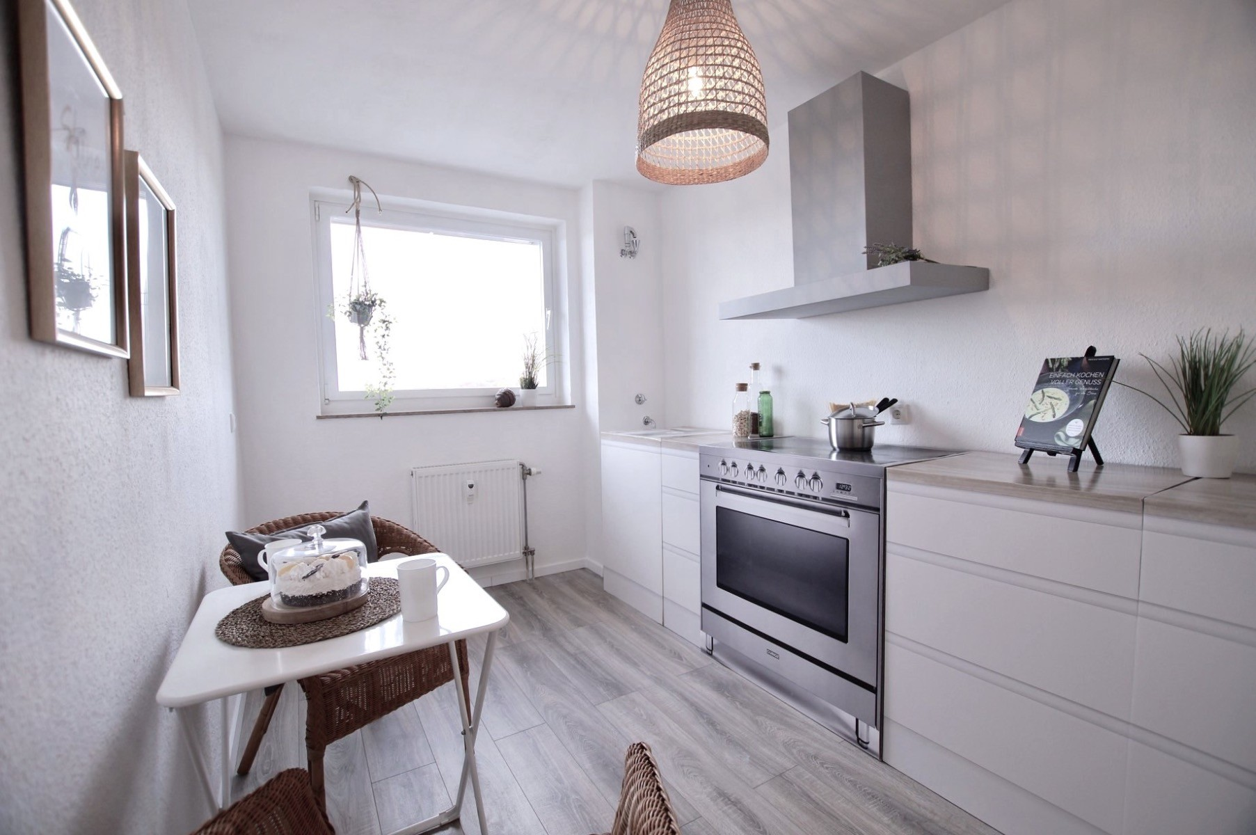 Pudda Homestaging with Cubiqz basic cardboard kitchen