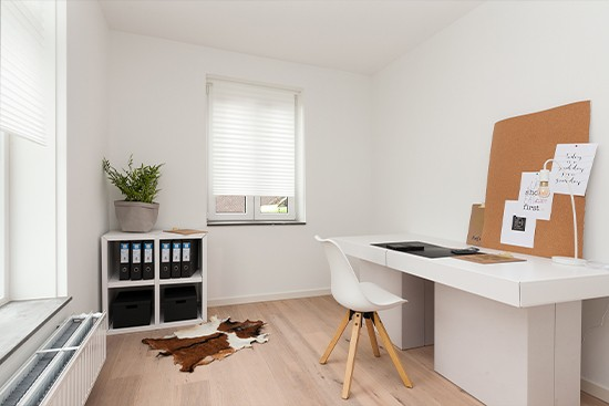 Home Office staging with cubiqz cardboard modules