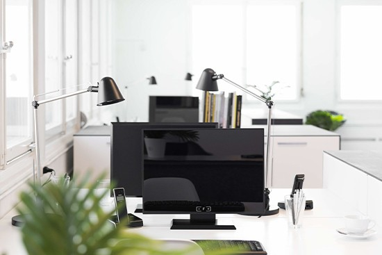 T-Raumplaner with cubiqz cardboard office furniture